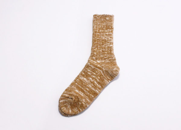 Rototo low gauge slub crew socks mustard 02