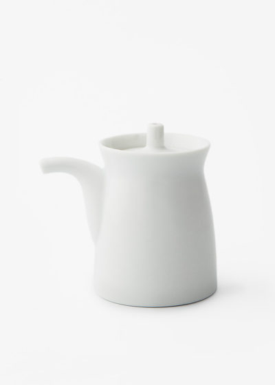 Hakusanporcelain-Gtype-Soy-Sauce-dispenser-white1