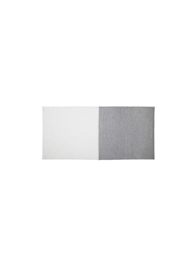YoshiiTowel-5Trees2ToneChambray-FaceTowl-White-Gray