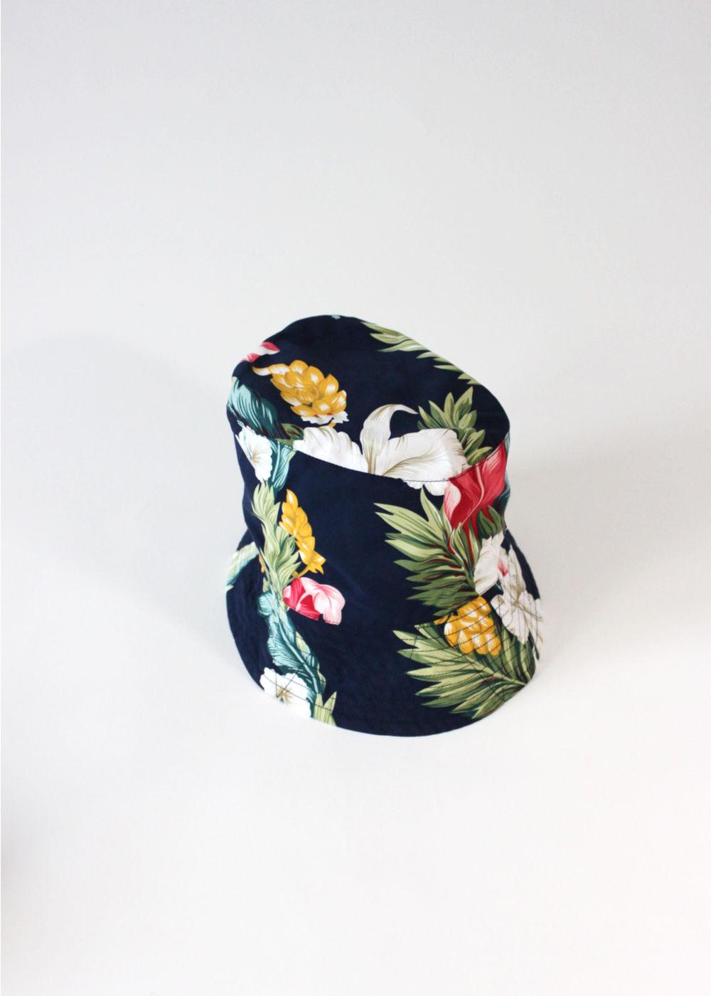 Engineered-Garments-BucketHat-Navy Hawaiian Floral Microfiber1