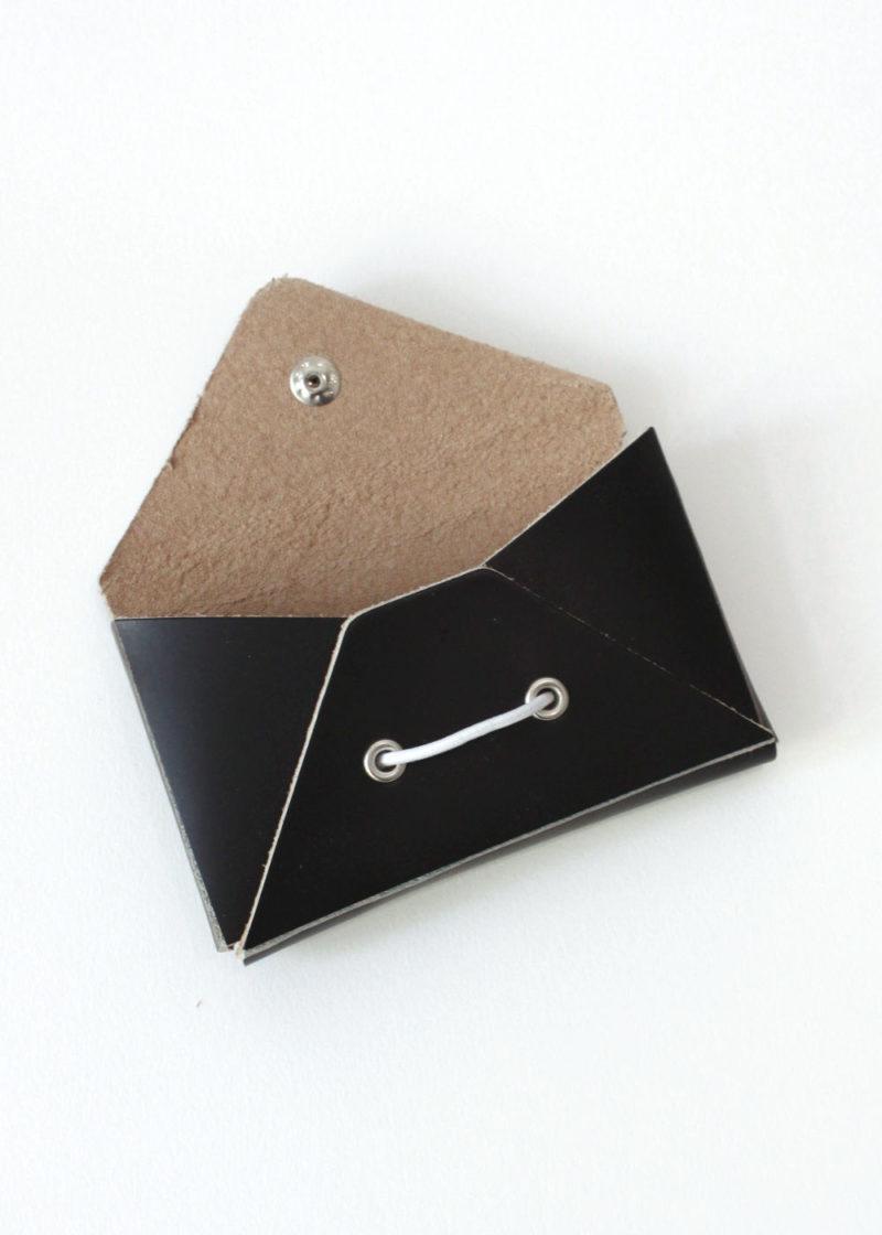 HenderSchemer-Assemble-card-case-black2