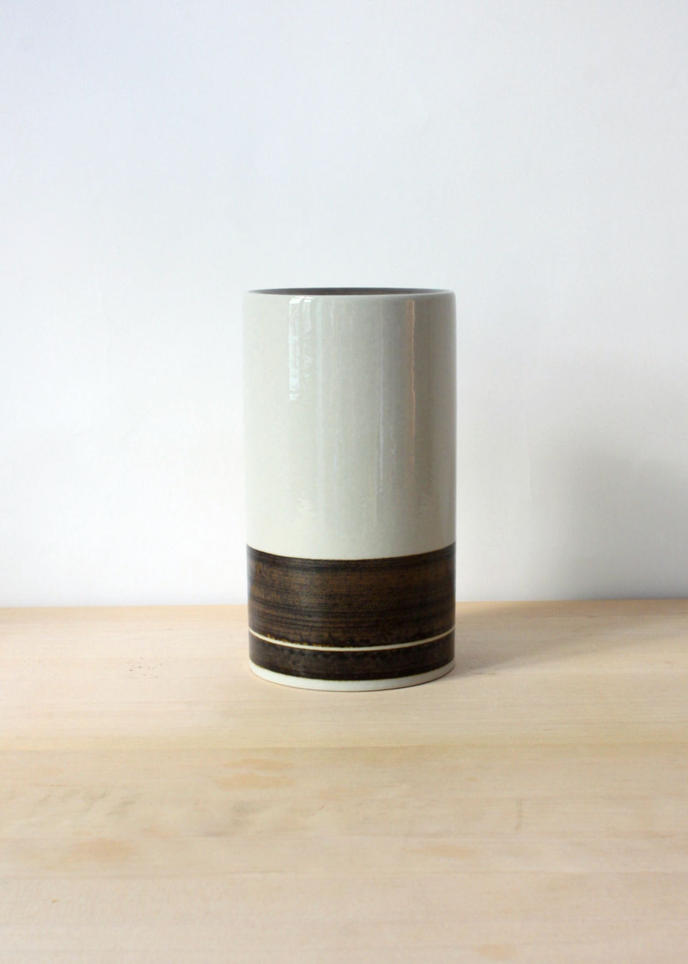 Peter-Winquist-tall-vase-01