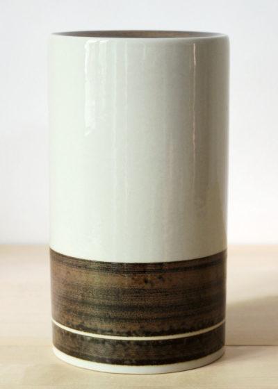 Peter-Winquist-tall-vase-02