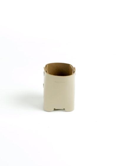 HenderSchemer-Assemble-pen-stand-beige1
