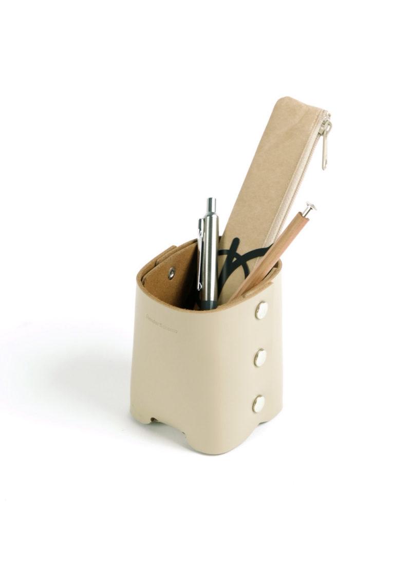 HenderSchemer-Assemble-pen-stand-beige3