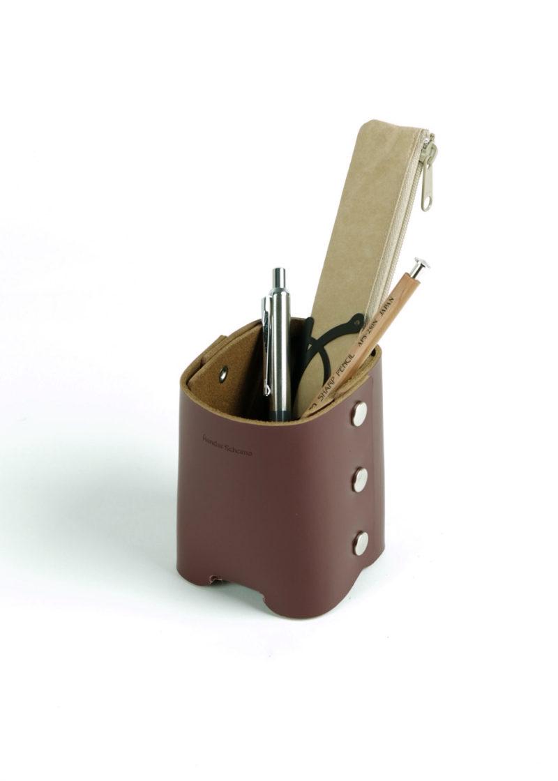 HenderSchemer-Assemble-pen-stand-burgundy3