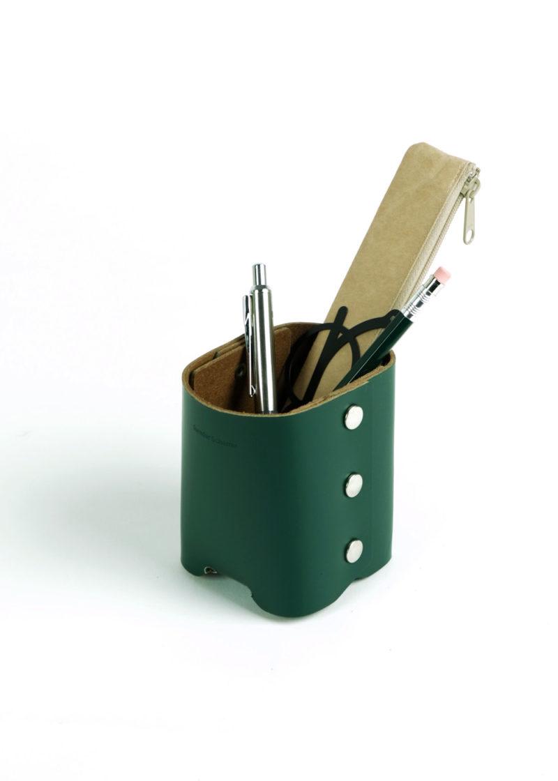 HenderSchemer-Assemble-pen-stand-deep-green3
