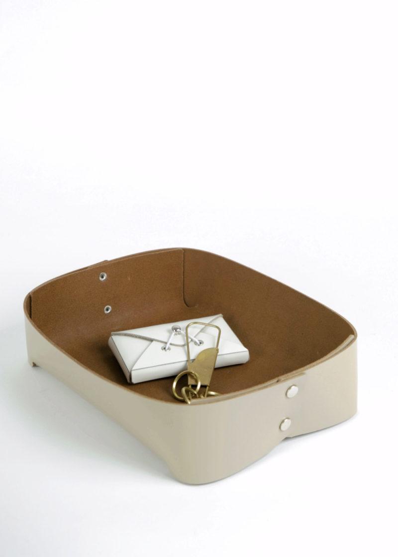 HenderSchemer-Assemble-tray-A5-beige3