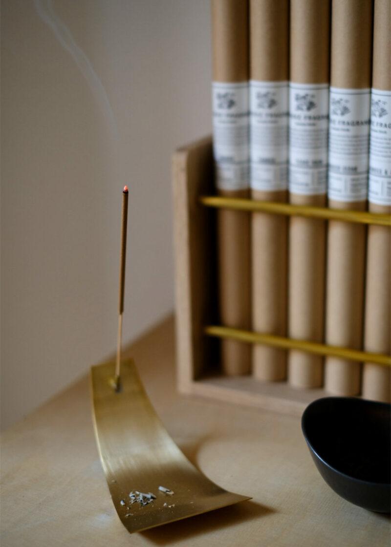 ApothekeFragrance_Incense_Sticks_Smoke